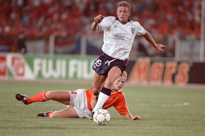 Soccer - World Cup Italia 90 - Group F - England v Holland