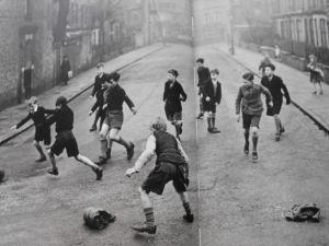 1950s-street-football